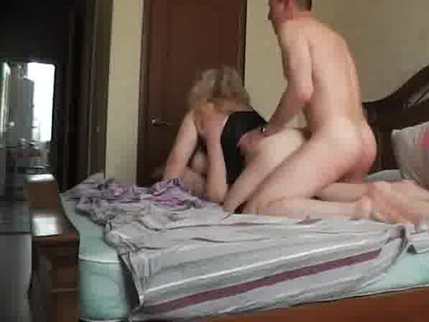 Homemade anal drilling on a bed